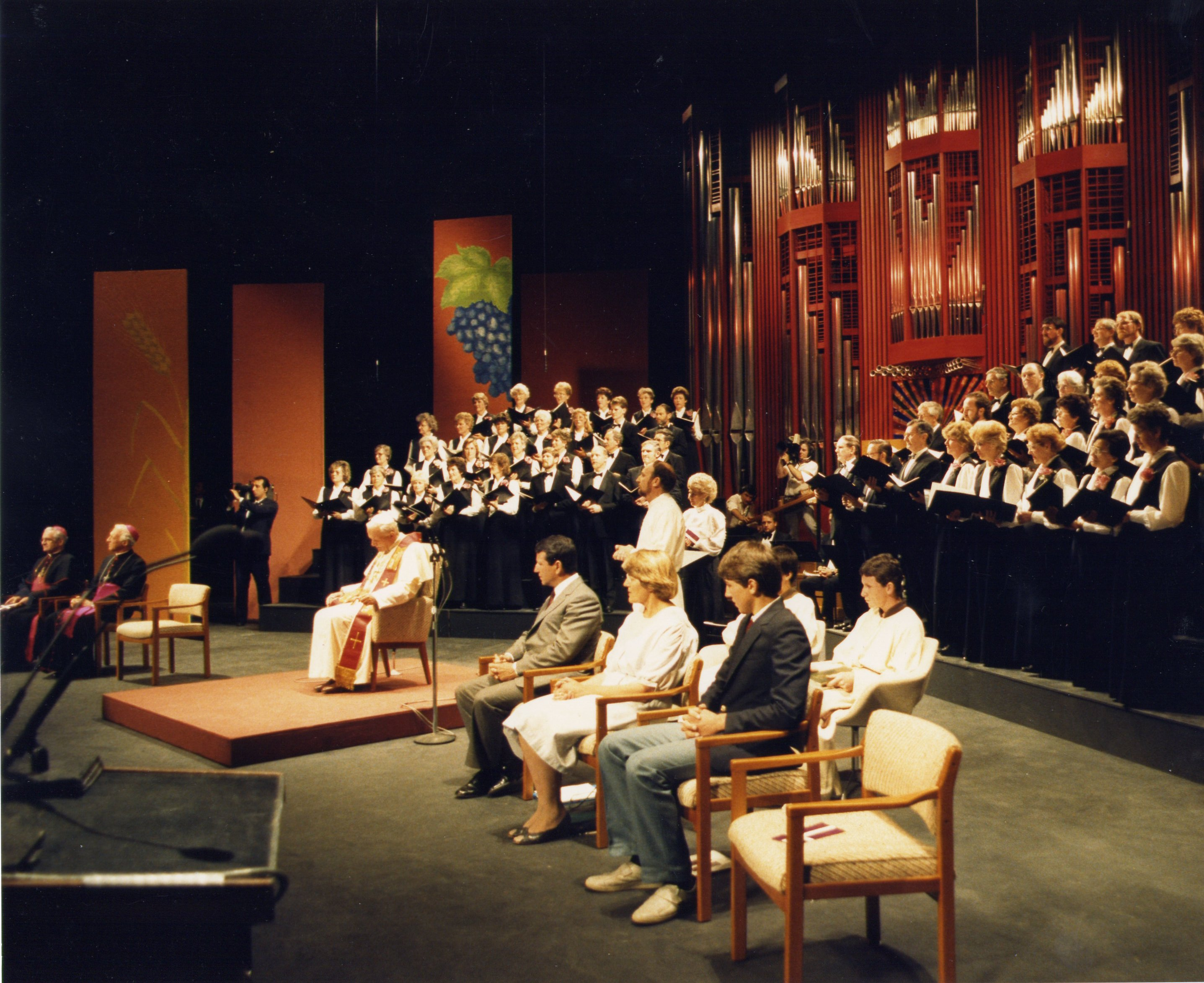cathy weber tony ryan media murray park singers directed by cathy weber adelaide festival theatre during the 1986